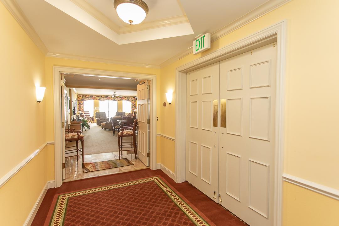 1607-1608-hallway_mg_0188.jpg